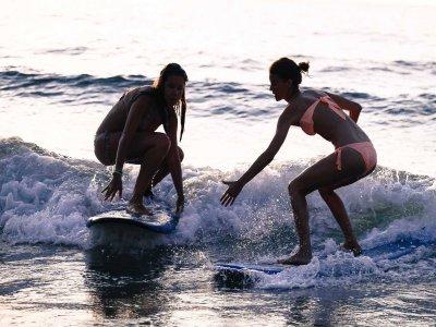 Surf camp en Sopelana septiembre 4 días 3 noches