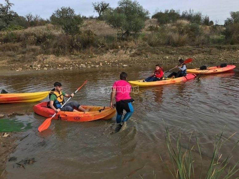 Practicando con el kayak