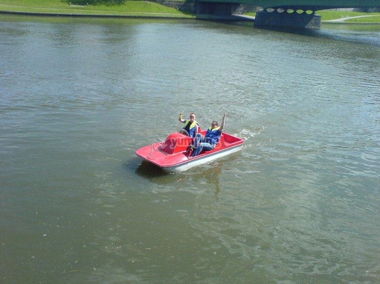 租用踏板船