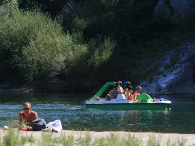 Alquilar barca de hidropedales en el Guadiana 2h