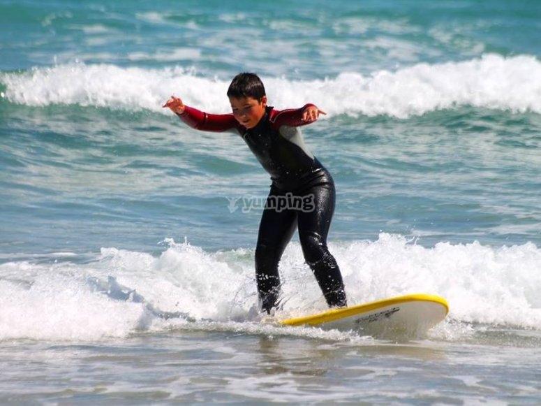 Surfeando una ola
