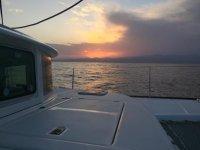 Alquilar catamarán medio día en Huelva temp. media
