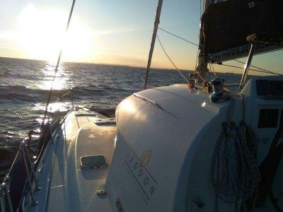 在韦尔瓦tmp租双体船Lagoon 380。高
