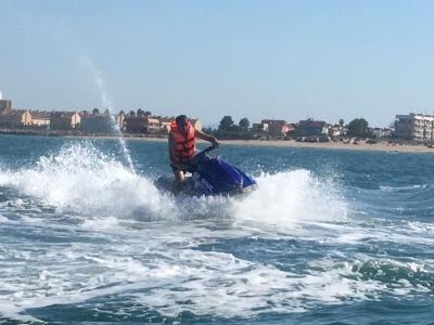在水上摩托车塔拉戈纳20分钟的导游