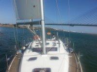 Alquilar velero Beneteau en Huelva temp media