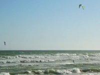 Practice kitesurfing on the golden coast