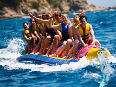 Sessione di banana boat a Oliva 15 minuti