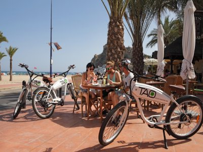 Team building electric bike trip+tapas in Benidorm