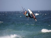 Con el kitesurf volarás.