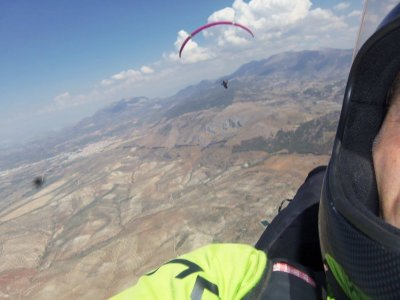 Volo in parapendio a Gredos con video di 20 minuti