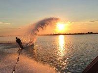 日落滑水板