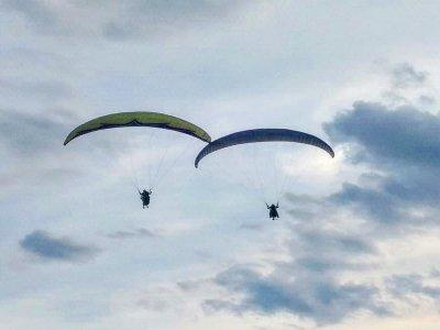 Special paraglider couples & video Alarilla 15 min