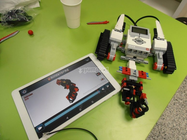 IT and robotics workshops in Madrid