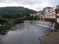 Bidasoa河在埃利桑多埃利桑多引导