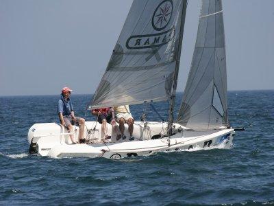 Ruta en barco de vela en Gijón 3 horas con patrón