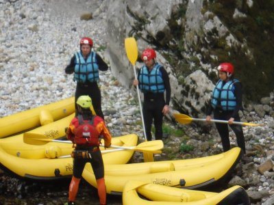 Level III rafting with photos & picnic river Cares