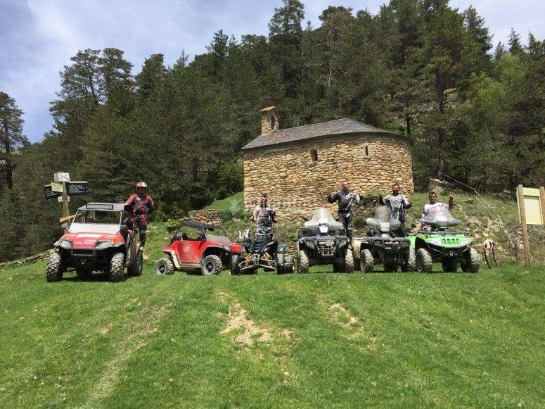Foto de grupo en ruta de Quad