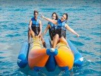 Con los amigos en la banana boat