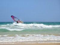 Approfitta del vento e del windsurf