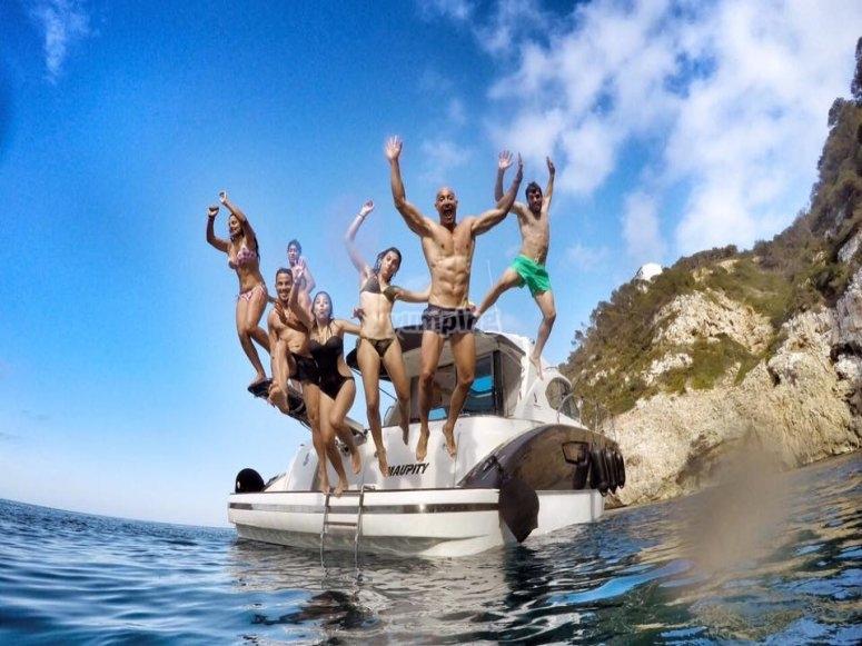Celebrazione di una festa sulla barca