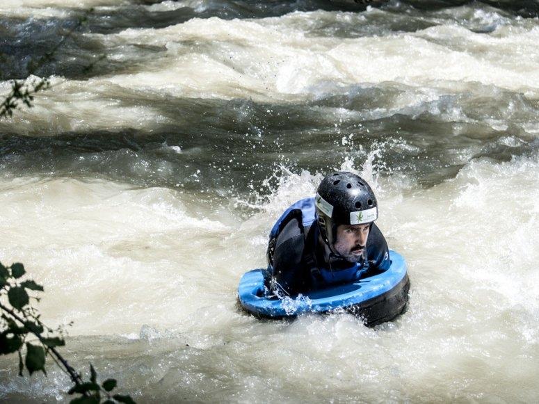 Hidrospeed en aguas rápidas