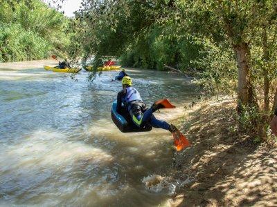 Hidrospeed在Benamejí在科尔多瓦的Genil河畔