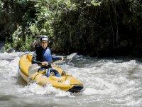 在Benamejí河Genil充气皮划艇2小时