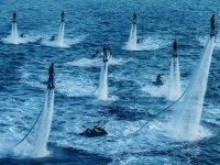 practicando flyboard en grupo
