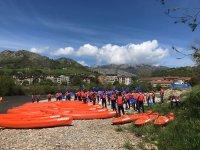 Sulle rive del Sella con le canoe