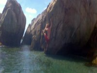 escalando en el mar
