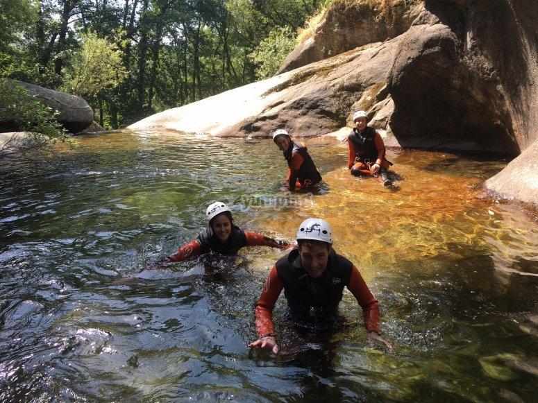 Avanzando por el rio