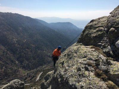 Bautismo de escalada en roca Riscos de Barbacedo