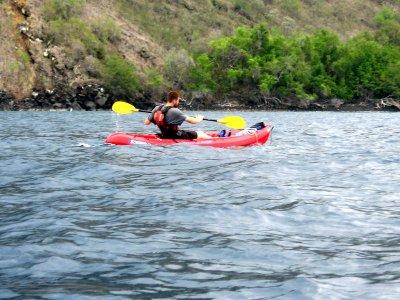 在Genil河马拉加的开放式皮划艇下降