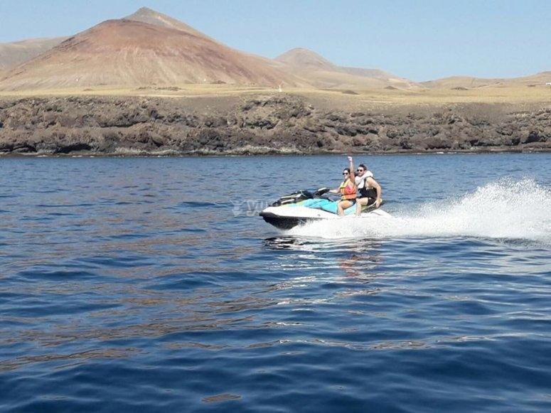 Disfrutando de Lanzarote en moto de agua