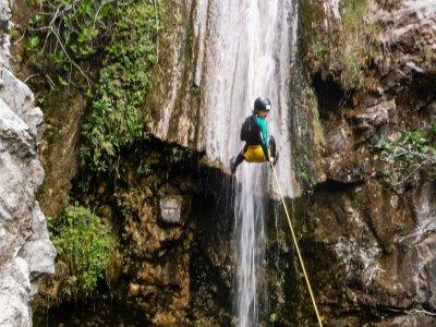 Viaferrata Ronda 峡谷的 Jorox 和住宿