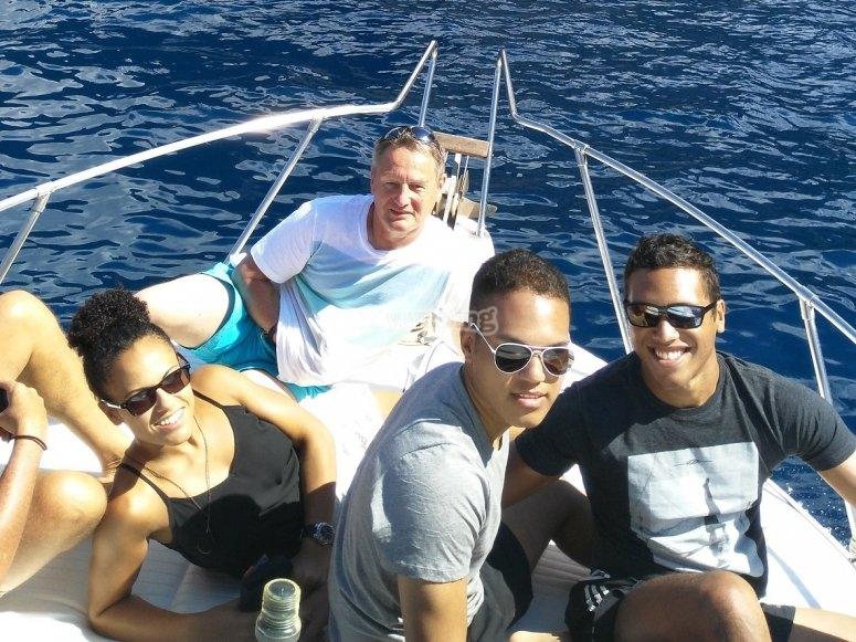 Relajados en el barco