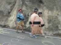 Travestito da sumo per i test