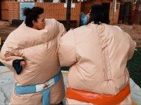 Luchadoras de sumo en la prueba