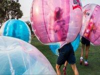 Partida de bubble soccer