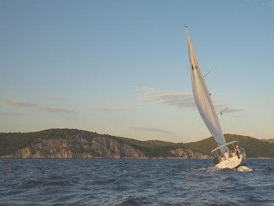 Sailboat rental on Málaga coast for half a day
