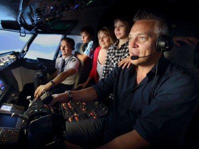 Simulatore di volo a Puerto Banús 30 minuti