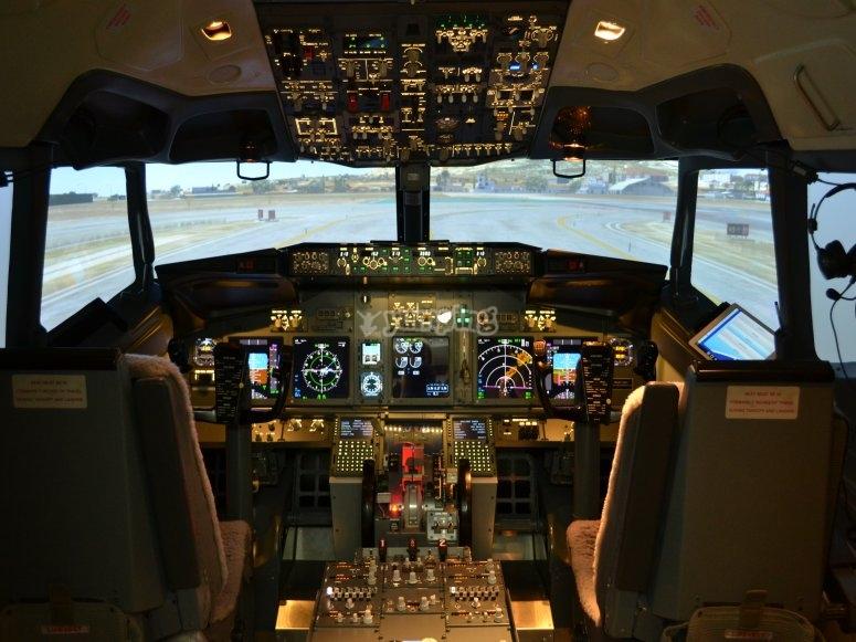 Dentro de la aeronave