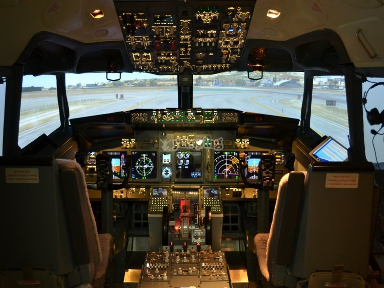 All'interno della cabina di pilotaggio dell'aereo