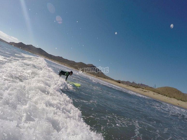 Hacer surf en Almeria