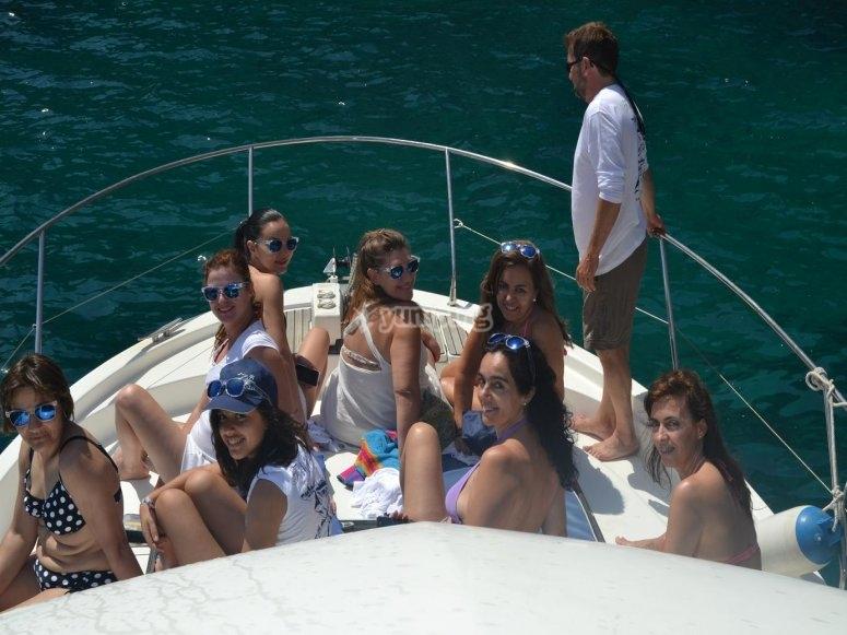 Godendo il giro in barca