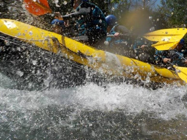 Haz rafting con nosotros