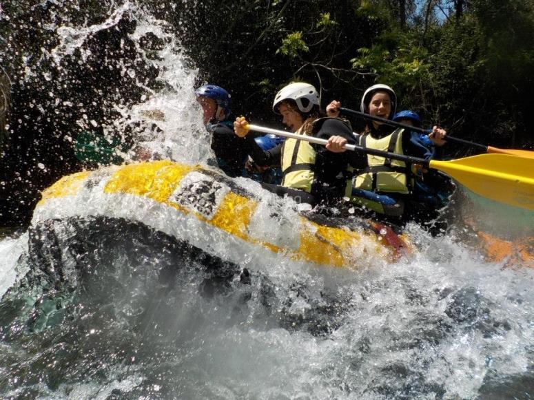 Rafting en los rapidos