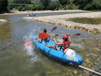 儿童独木舟的Sella下降4小时