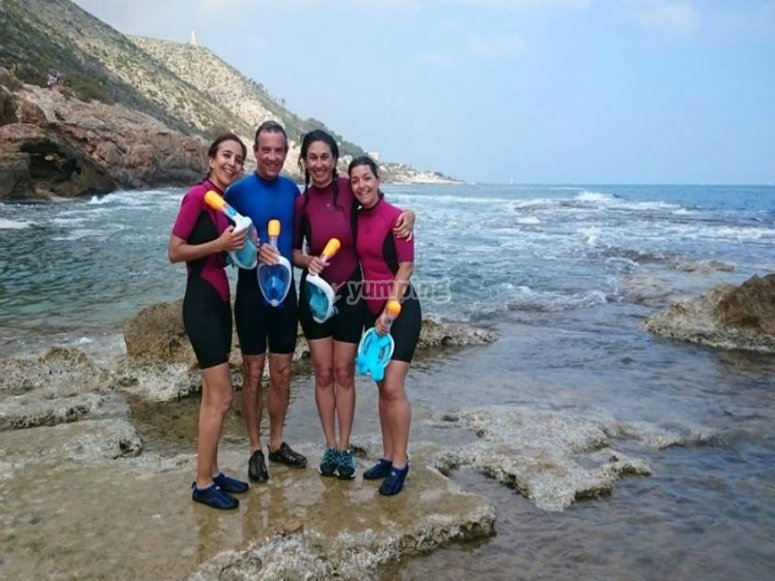 Con el material de snorkel