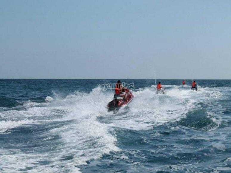 Sorteando olas